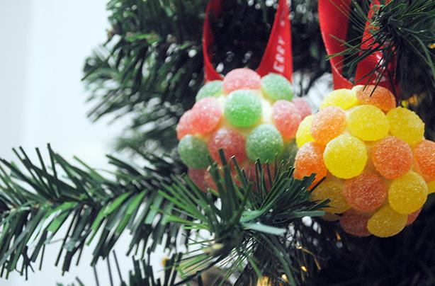 5 Edible Christmas Ornaments You Can Make At Home