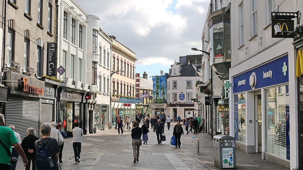 Shop St, Galway Photo: Robert Linsdell