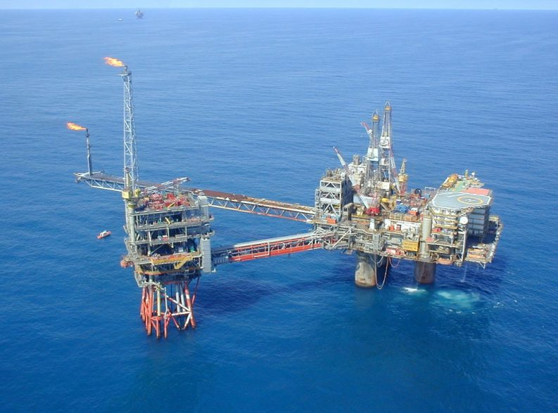 Oil Drill Oil well sea
