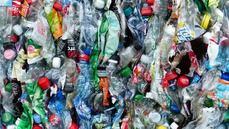 Plastic Bottle Recycling Photo: Hans / Pixabay