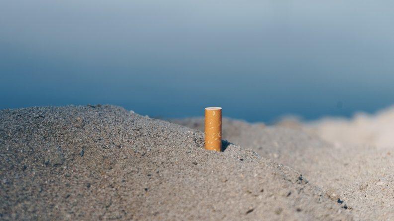 Cigarette discarded on beach Photo: sulox32