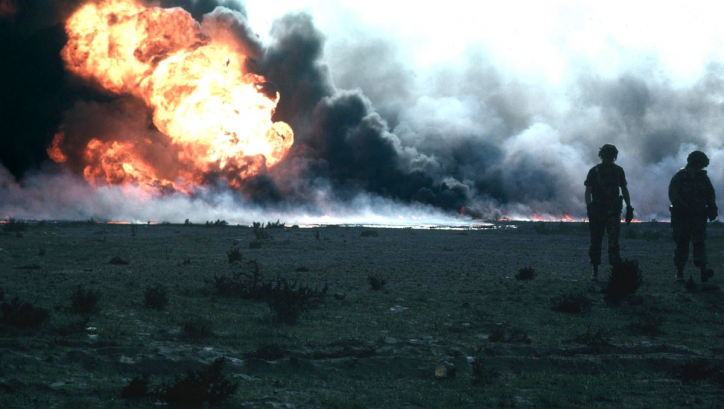 Burning oilfield during Operation Desert Storm, Kuwait Photo: Jonas Jordan, United States Army Corps of Engineers
