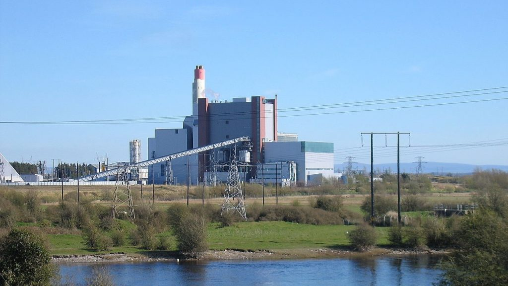 ESB's West Offaly plant in Shannonbridge, County Offaly Photo: Sarah777